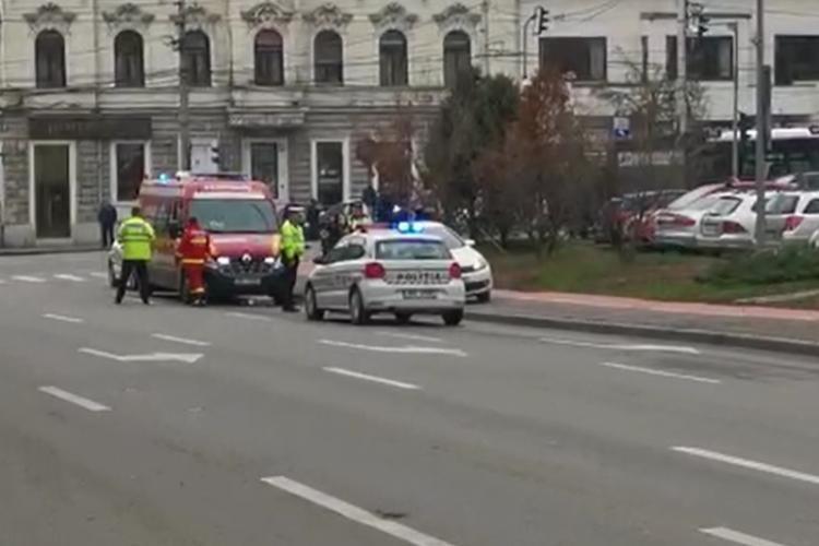 Pieton lovit de mașină în Piața Cipariu VIDEO