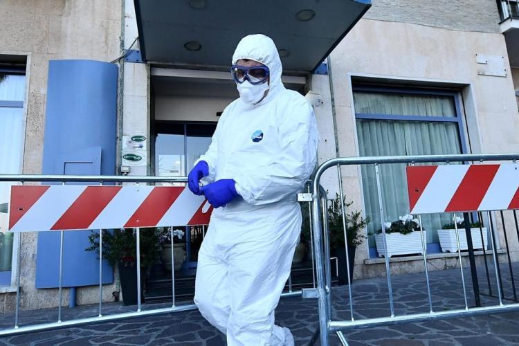 Clujeancă stabilită în Napoli, Italia, unde sunt 6 milioane de oameni în izolare: Toți așteaptă adevărata izbucnire a virusului în sud