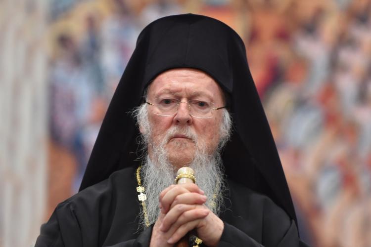 Patriarhul ecumenic cere tuturor bisericilor să oprească slujbele: Mandatăm încetarea tuturor slujbelor!