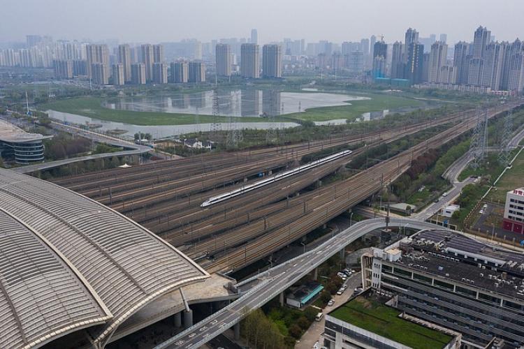 China redeschide parțial orașul Wuhan, locul din care a pornit pandemia de coronavirus