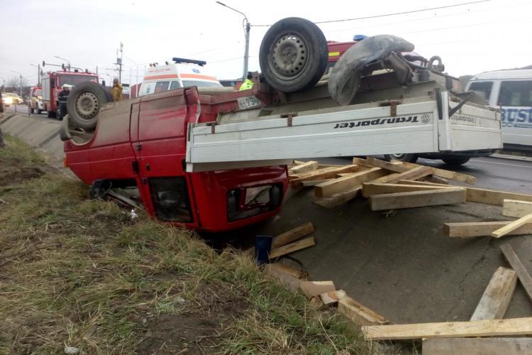 Accident la Jucu! O mașină s-a răsturnat - FOTO