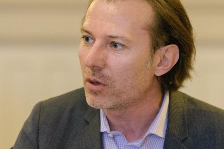 Florin Cîțu și-a depus mandatul de premier chiar înainte de votul din Parlament