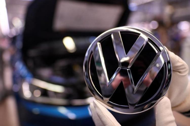 Volkswagen oprește activitatea la aproape toate fabricile din Europa. Renault numai în Spania