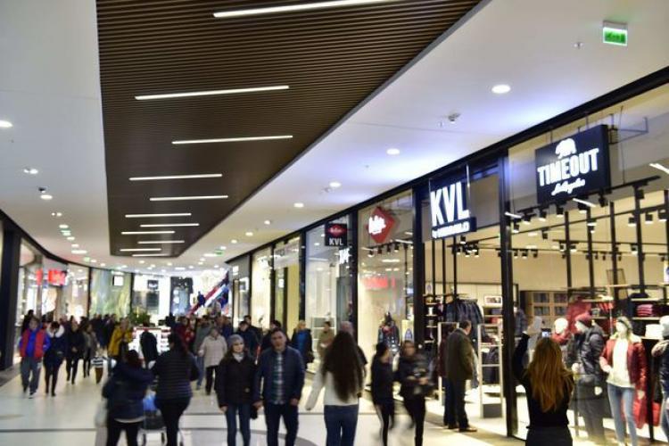 """Magazinele din mall-uri trag oblonul: """"Riscul unui colaps este iminent"""""""