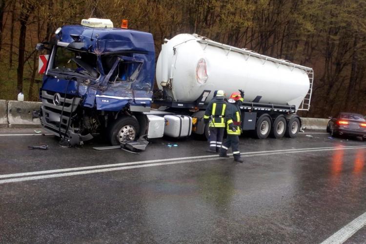 Accident între două TIR-uri pe un drum din Cluj. Traficul a fost îngreunat FOTO