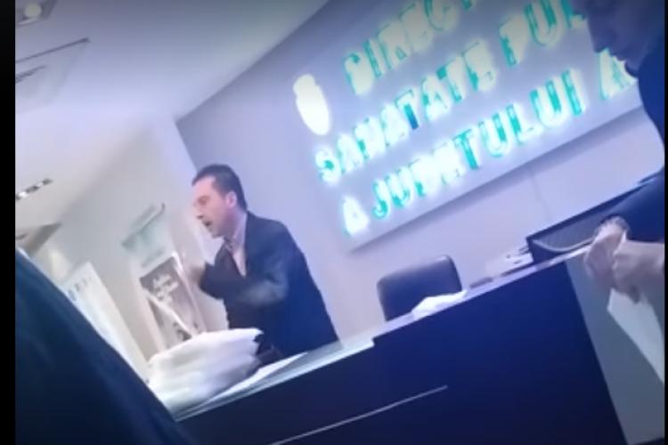 VIDEO - Medicii din Arad refuză să lucreze în vamă fără protecție. Director DSP: Eu de proști și de fricoși nu am nevoie