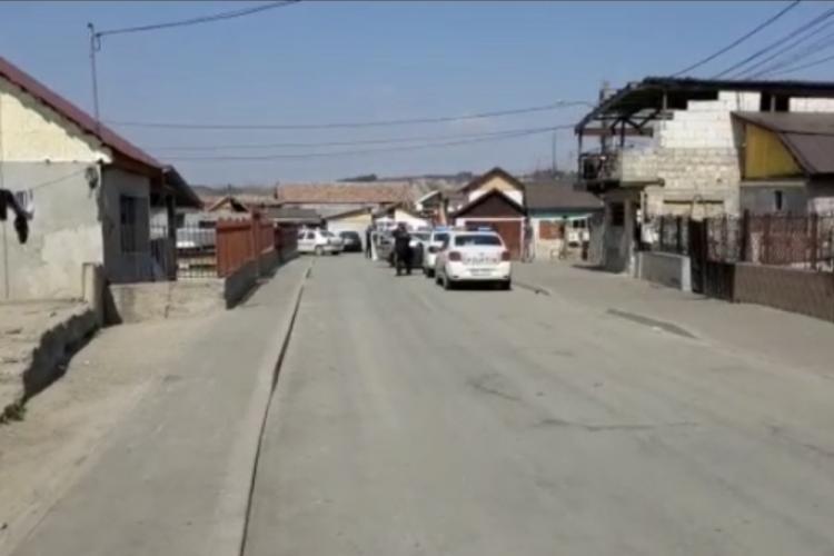 Razie la  Turda, în colonia de romii unde oamenii erau cu boxele pe stradă. Un echipaj rămâne permanent în zonă VIDEO