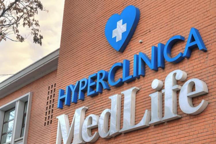 MedLife trimite personalul medical non-critic în șomaj și ia bani de la stat