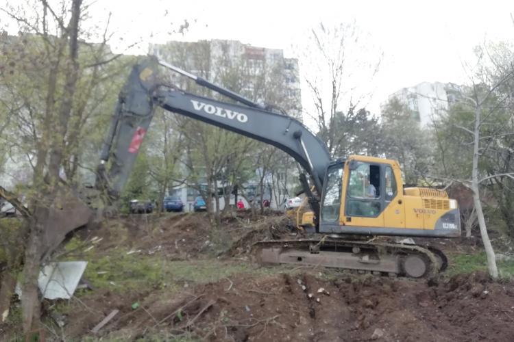 """Grădinile din zona """"La terenuri"""", din Mănăștur, """"măcelărite"""" pentru a ridica blocuri - FOTO / Boc: Nu este nimic aprobat"""