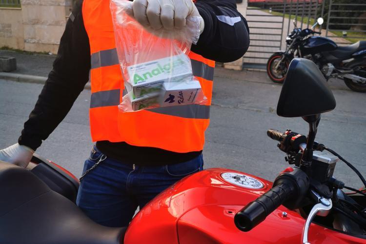 Motocicliștii clujeni livrează medicamente celor aflați la nevoie