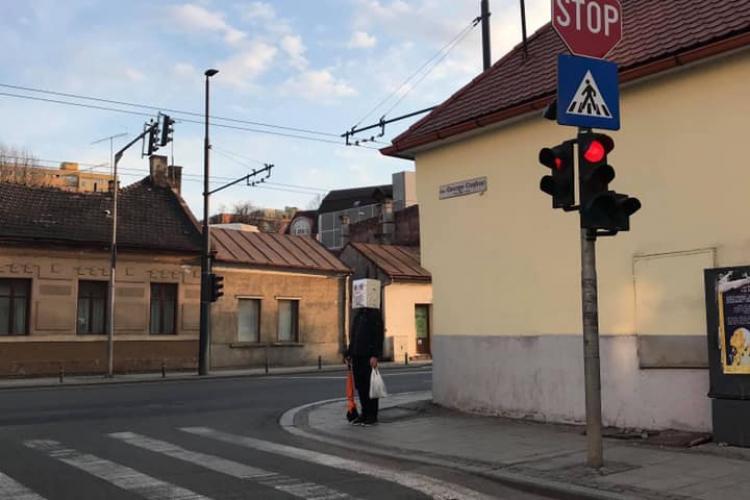 Dacă nu la Cluj, atunci unde! A apărut masca ROBOT, care alungă COVID -ul - FOTO