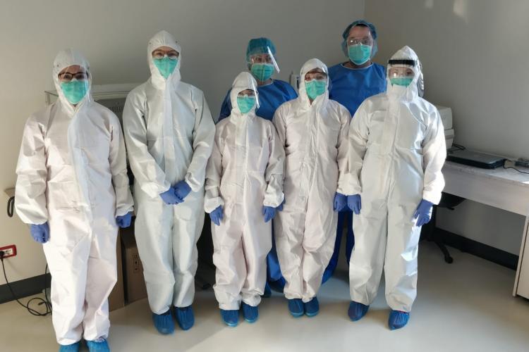 Vești bune la Cluj! Trei echipamente, două ale Universităților, fac testări non-stop la Spitalul clinic Județean Cluj
