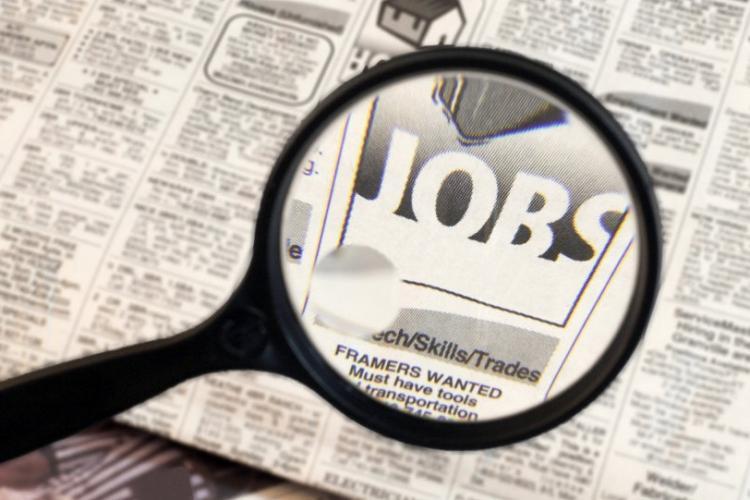 Zeci de mii de români concediați, iar alți peste 150.000 trimiși în șomaj tehnic în ultimele două zile. Care sunt cele mai afectate domenii