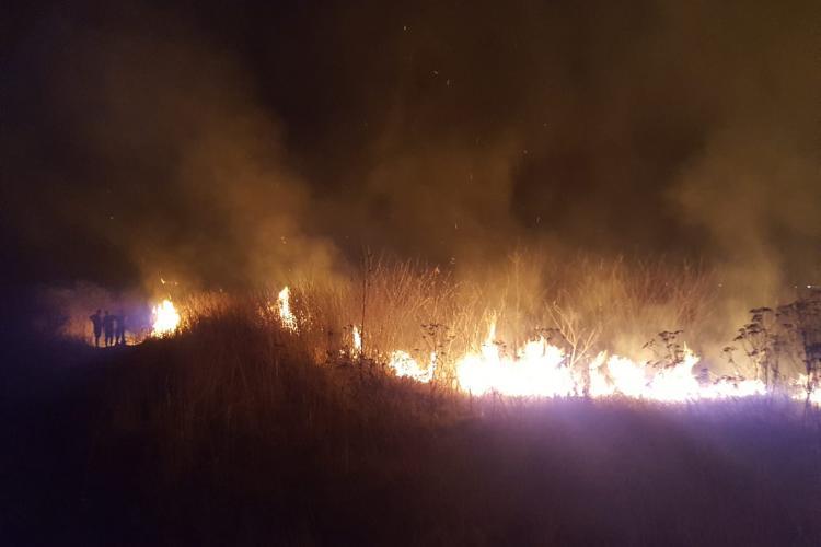 Clujenii nu se învață minte! Opt incendii cauzate de igienizarea IRESPONSABILĂ a terenurilor într-o singură zi FOTO/VIDEO