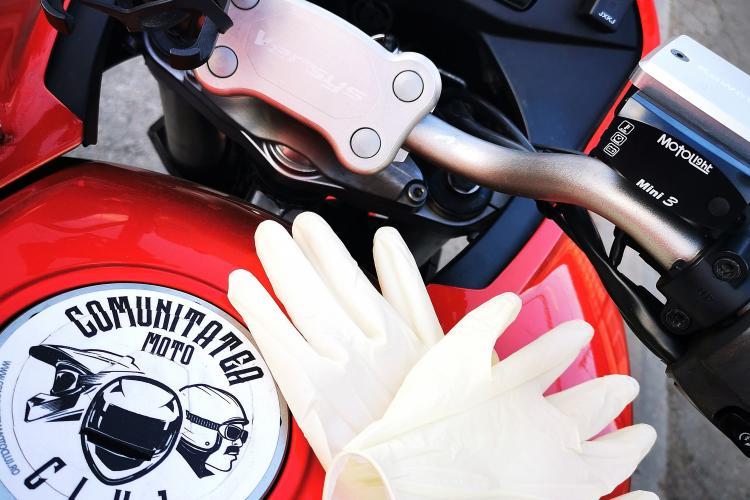 CLUJ: 100 de motocicliști livrează medicamente la domiciliu clujenilor de peste 65 de ani FOTO
