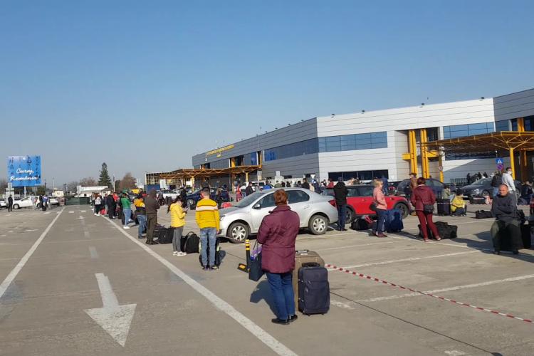 Angajat român, pe Aeroportul Cluj, via Germania: Două săptămâni vom sta în carantină - VIDEO