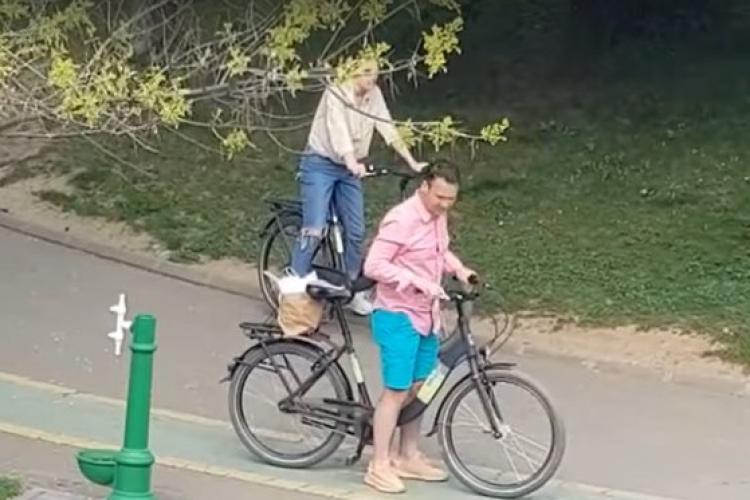 Primarul Robert Negoiță amendat pentru că se plimba cu iubita prin parc - VIDEO