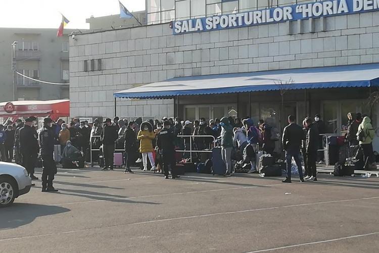 """Mizerie de nedescris lăsată la Sala Sporturilor Cluj de """"valorile"""" întoarse acasă - FOTO"""