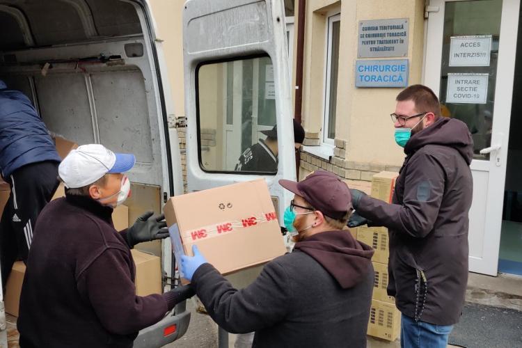 Bărboșii clujeni au făcut a patra livrare de măști, mănuși și dezinfectant! Cine sunt donatorii. Sunt foarte importanți - FOTO