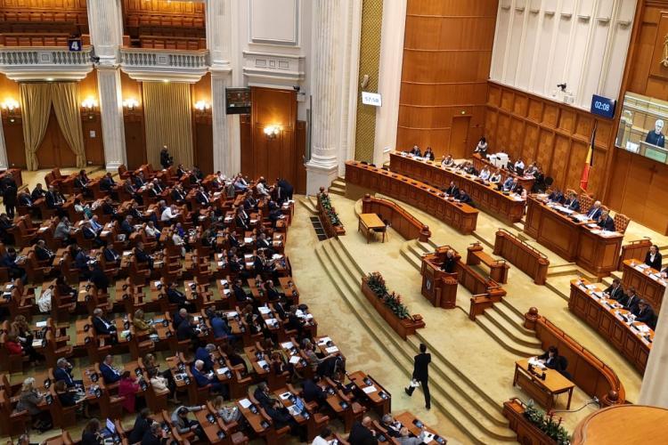Măsuri adoptate de Parlament: Amânarea utilităților și neplata CAS