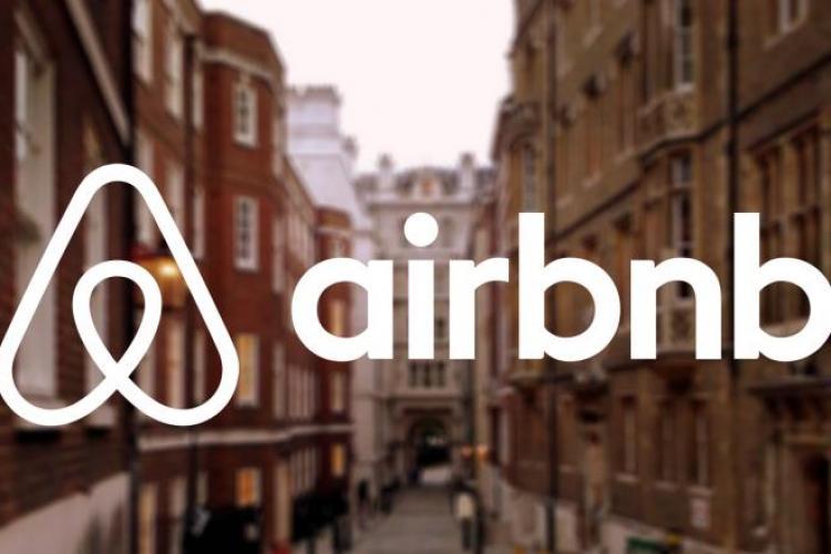 Airbnb îi va obliga pe proprietari să facă o pauză de 24 de ore între închirieri, pentru a nu răspândi coronavirusul