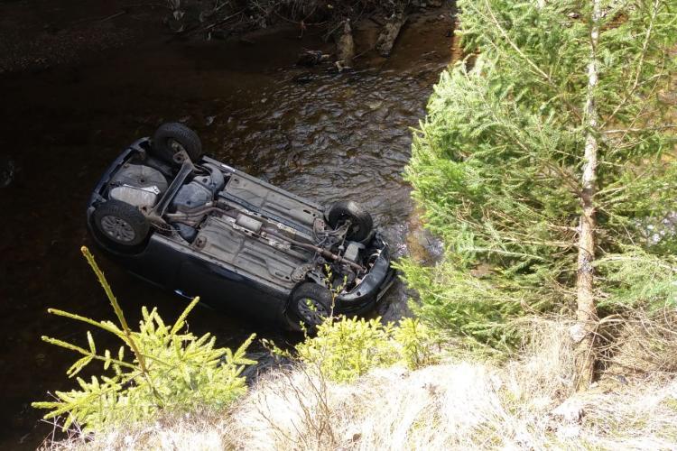 Accident mortal la Cluj! A plonjat cu mașina într-un râu