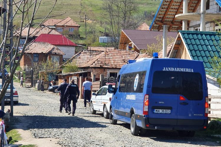 Razie în Baciu, pentru a verifica respectarea restricțiilor de circulație. Polițiștii au dat amenzi de aproape 30.000 lei în trei ore FOTO