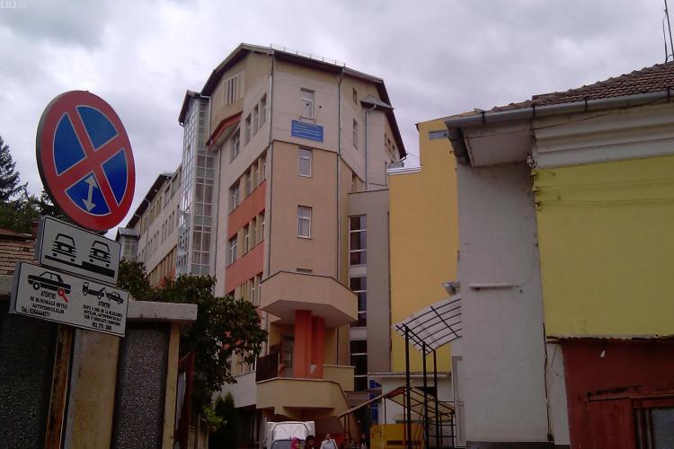 Caz dramatic la Cluj! Copil cu leucemie stă singur în spital, după ce mama a făcut coronavirus