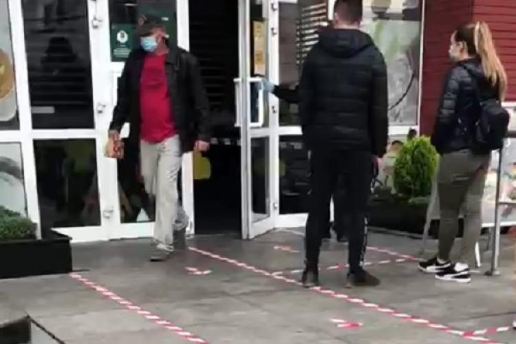 """Restaurantele McDonalds și KFC, acuzate de concurență că sunt deschise la Cluj cu """"viză specială""""! Prefectul: Acuzațiile nu se susțin - VIDEO"""
