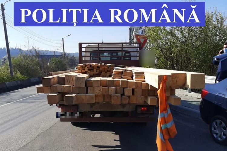 Razie la Cluj pentru a depista infracțiunile silvice. S-au confiscat sute de metri cubi de lemne FOTO