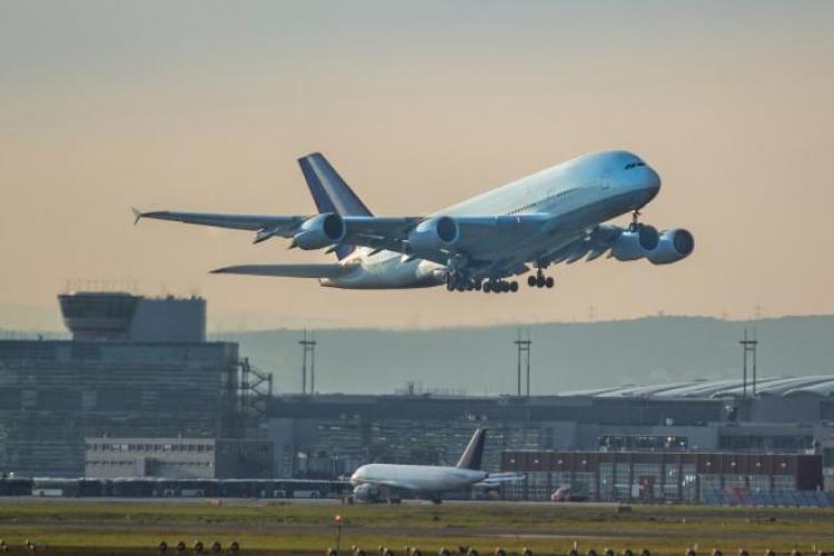 O companie aeriană a împrăștiat coronavirusul în patru țări