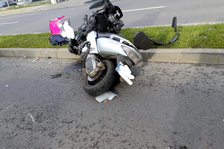 Scuterist rănit într-un accident rutier pe Calea Turzii FOTO
