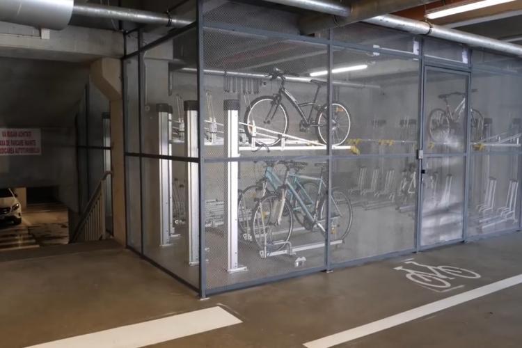 Parcare pentru biciclete într-un spațiu SECURIZAT, dată în folosință în parkingurile Primăverii și Băișoara - VIDEO