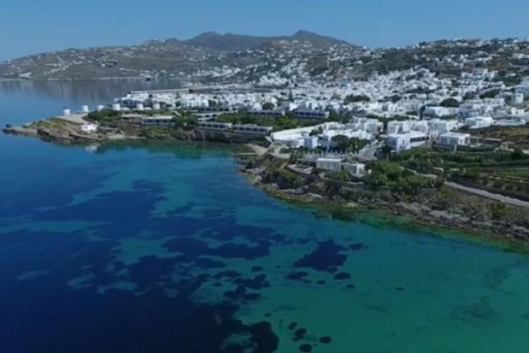 Filmare spectaculoasă din insula Mykonos, realizată cu o dronă! Plajele invită turiștii - VIDEO