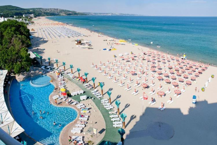 Bulgaria vrea să redeschidă sezonul turistic. Guvernul nu a închis complet țara și are numai 84 de decese