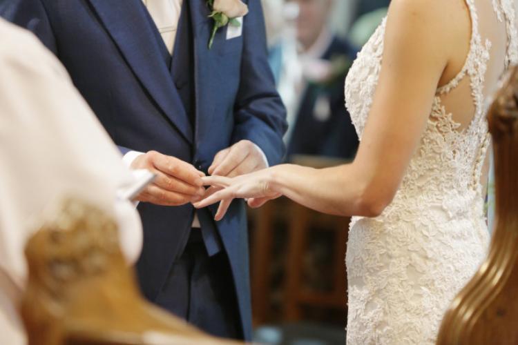 Se pot organiza nunțile după 15 mai? Ce răspunde ministrul Marcel Vela