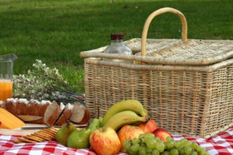 Ministrul Sănătății: Se va putea ieși la picnic în parc de pe 15 mai, dar nu se va permite accesul la locurile de joacă