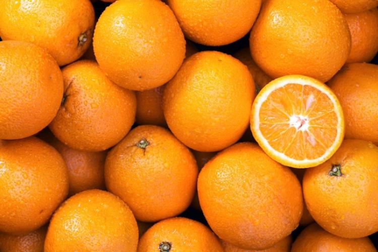 Epidemiologul Molnar Geza: Nu e normal să pipăi 10 portocale pentru a alege două