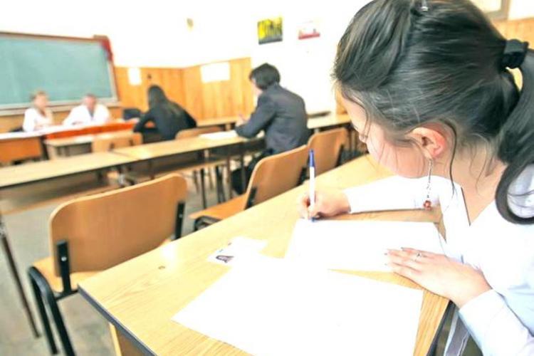 Scrisoarea unei eleve către ministrul Educației: Este inutil ca elevii să mai fie supuși stresului examenului la liceu
