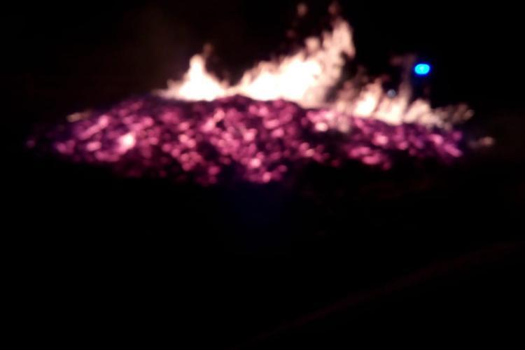 Incendiu la Mărișel. Un șopron în care se afla un gater a fost făcut scrum FOTO
