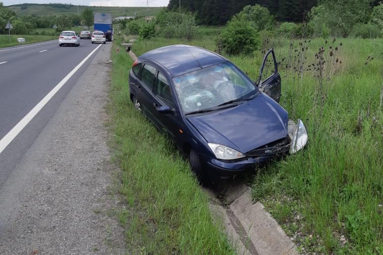 Accident cauzat de un șofer neatent la Izvorul Crișului. Traficul a fost blocat aproape o oră FOTO