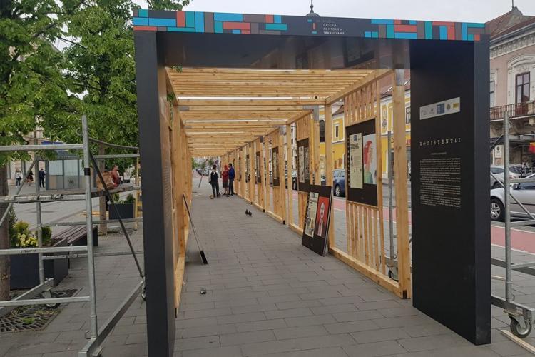 Expoziție în aer liber despre eroii comunismului, în centrul Clujului FOTO
