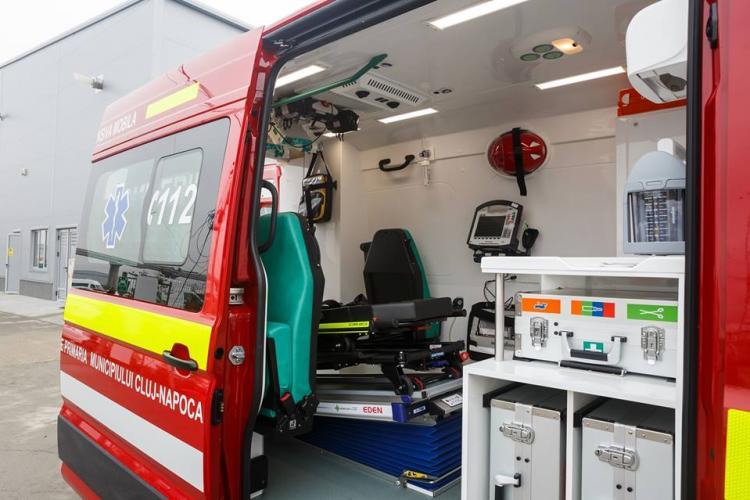 Incendiu la gospodăria unui cluejan! Bărbatul a ajuns la spital cu arsuri grave după ce a încercat să stingă singur focul