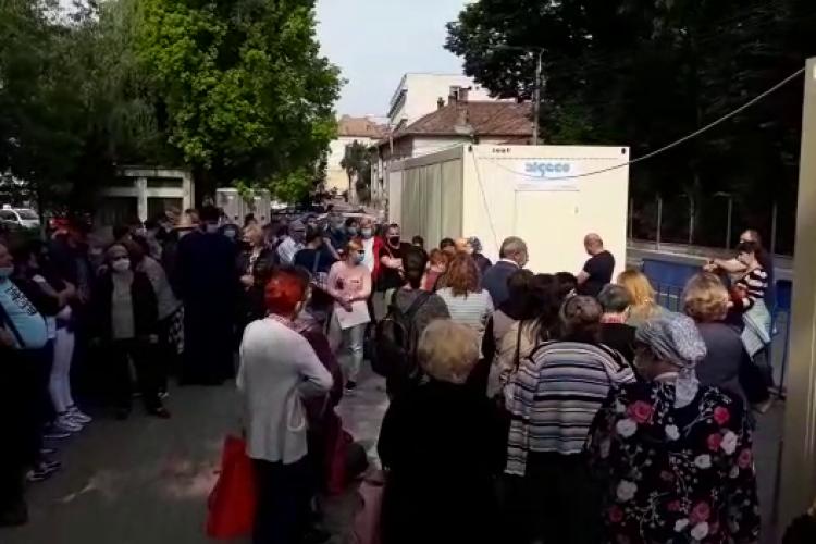 """Ministrul Sănătății a comentat coada de la Institutul Oncologic din Cluj: """"Este o problemă de management"""""""