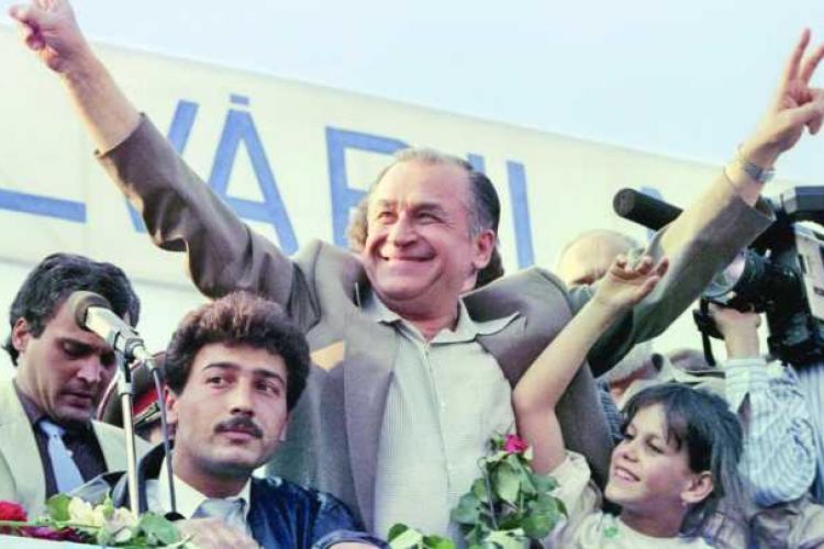 """20 mai 1990, primele alegeri libere. În """"Duminica Orbului"""", peste 85% dintre români au votat cu Ion Iliescu și cu FSN"""
