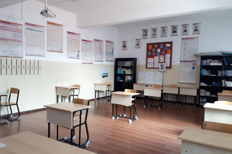 Florești, Luna de Sus: Cum arată o școală unde se aplică distanțarea socială. Unii elevi revin la școală pentru pregătire - FOTO