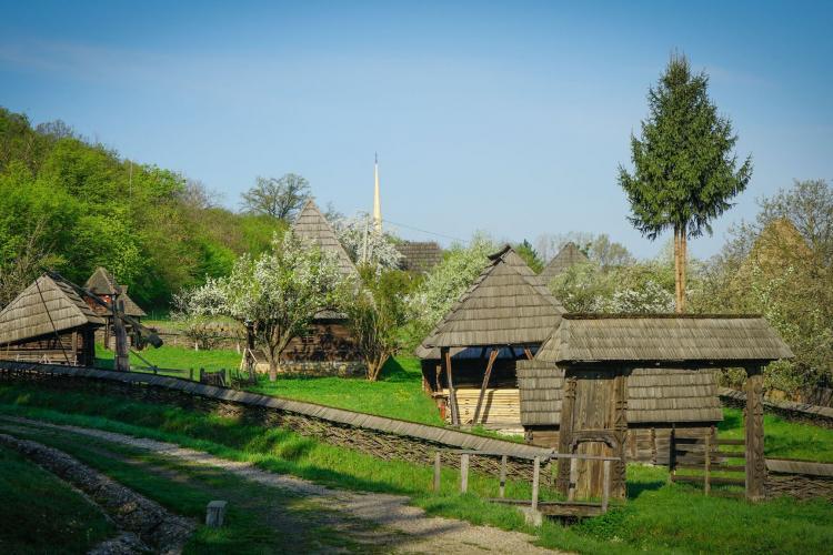 Se redeschide Muzeul Etnografic al Transilvaniei. Nu este permis accesul cu temperatură mai mare de 37,3 grade Celsius