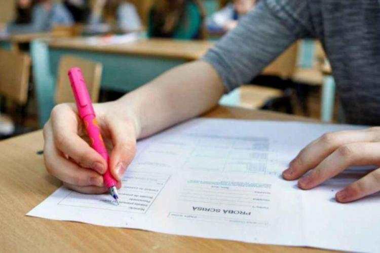 Ministrul Educației a aprobat noul calendar al examenului de bacalaureat. Cum se va desfășura
