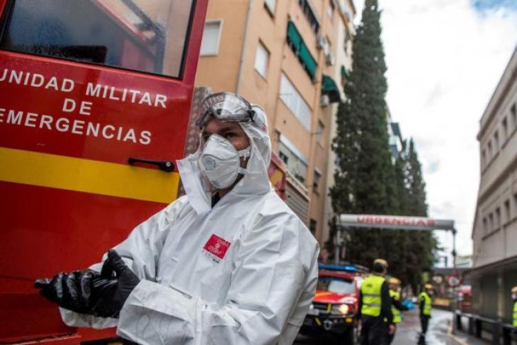 Spaniolii au redus cu 2.000 numărul deceselor din cauza COVID 19
