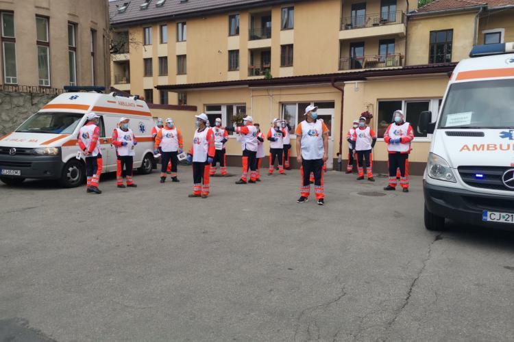 Protest la Ambulanța Cluj pentru că nu toți angajații primesc sporul pentru COVID 19 - VIDEO